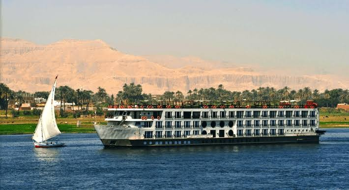 Nile Cruise Package Tour from Luxor to Aswan, 5 days, 4 Nights
